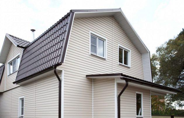 Дом, обшитый виниловым сайдингом