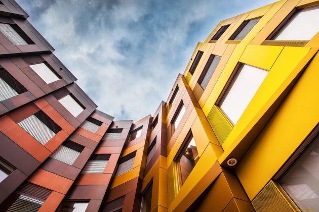 Алюминиевые вентилируемые фасады применяются в строительстве офисных зданий