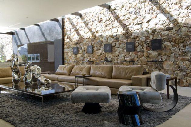 В интерьере дома в стиле модерн используются разнообразные формы и материалы