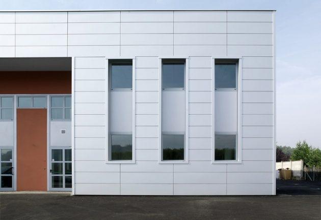 Вентилируемый фасад, материал отделки - линеарные панели
