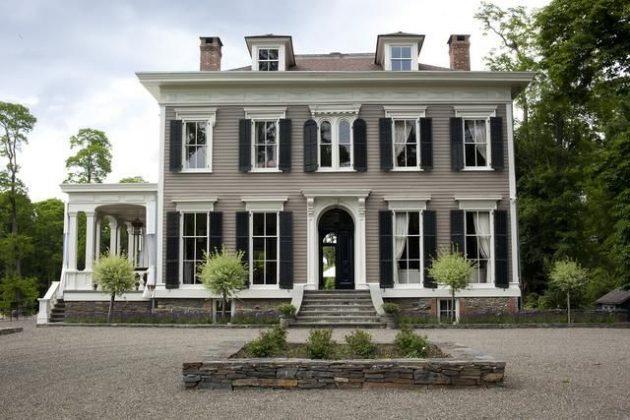 фасад, оформленный в георгианском стиле