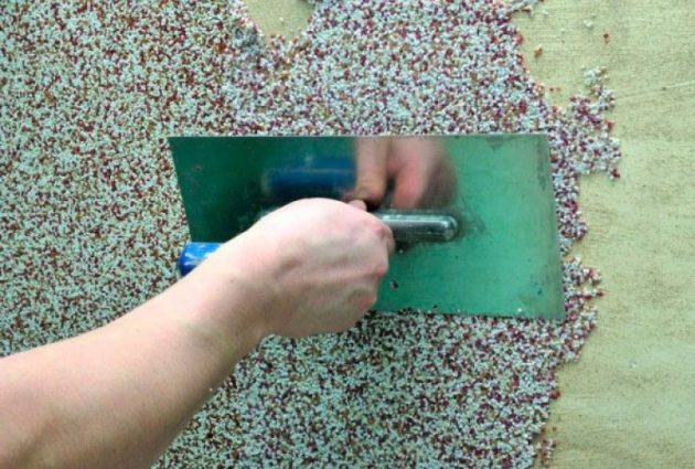 нанесение финишного покрытия цоколя